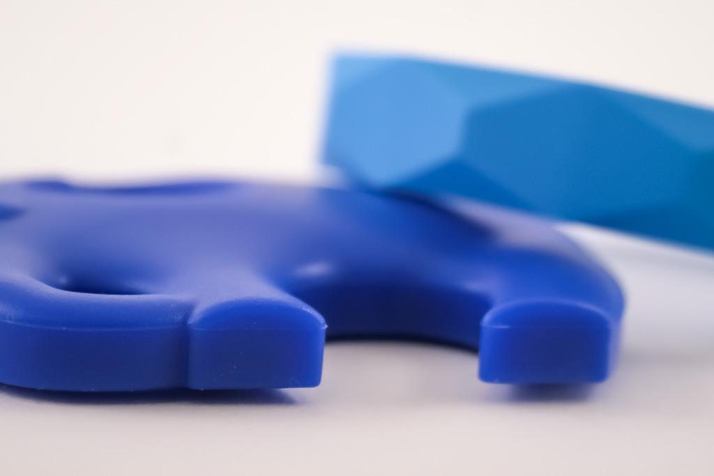 elephant-teether-bracelet-set-blue-1024-6276