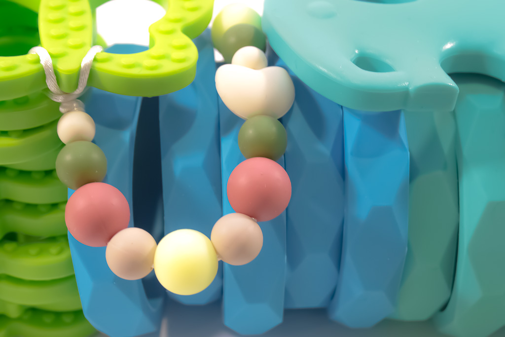 teether-baby-toy-featured-6467-2